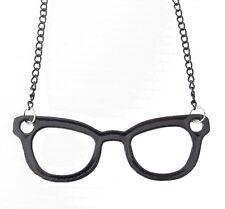 Collier, pendentif lunette fantaisie noire avec chaine de 60 cm.