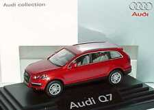 1:87 Audi Q7 4.7 FSI quattro 4L rouge grenat - Dealer-Edition - Wiking