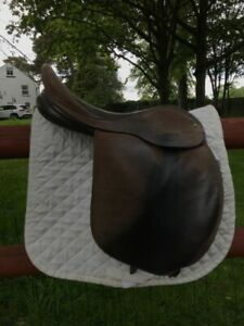 """Suede Ideal 17"""" Working Hunter Saddle"""