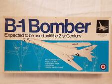 Entex 8505 B-1 Bomber 1:144 Neu, Bauteile versiegelt