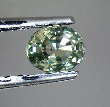 Gioielli e gemme di zaffiro naturale verde