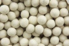 25 perles boules de feutre feutrine Ø=1.5 cm Blanc creme-100 % laine -240-B014