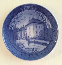 "Royal Copenhagen 1975 ""The Queen's Chritmas Residence"" Collector Plate"