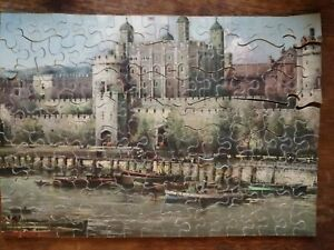 A V N Jones Tower of London wooden jigsaw puzzle for Huntley and Palmers