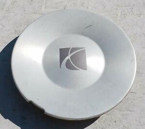 Saturn Vue center cap 2002-2007 part number 9595659 02