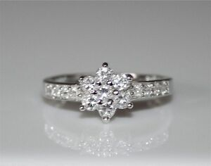 PRETTY STERLING SILVER FLOWER CLUSTER CZ CUBIC ZIRCONIA RING (SIZES J - R1/2)