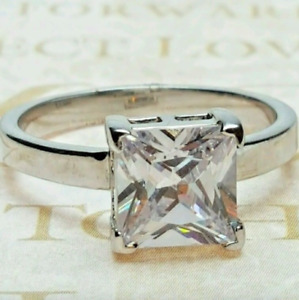 Ladies Silver Plated  Modern Solitaire Ring Square Cubic Zirconia  Sizes 7,8,10
