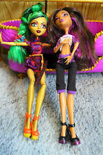 Monster High Jinafire and Clawdeen Wolf Dolls w/ Room to Howl Bunk Bed Mattel