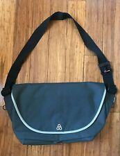"""RICKSHAW 13"""" Laptop Sleeve Messenger Crossbody Shoulder Bag in Black/ Charcoal"""