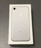 iPhone 7 EU Box in Perfect Condition / Silver Argent / Boite EU en Parfait état