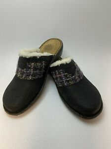 UGG Slides Mules Clogs Leather Womens Size 7 FREE SHIPPING