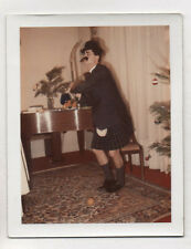 Photo Couleur Polaroïd Déguisement Homme déguisé Vers 1960 Curiosité Kilt Drôle