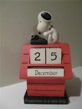 Hallmark Peanuts Snoopy on Doghouse Typewriter 2019 + Perpetual Calendar Display