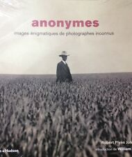 Anonymes - Images énigmatiques de photographes inconnus