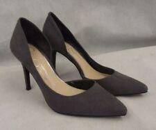 Jessica Simpson Size 7.5  Livvy Pump Heel Matte Taupe Leather Suede Shoe EUC