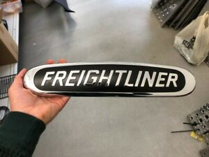 E9 FREIGHTLINER NAME PLATE GRILLE Symbol Emblem A17-20847-000 2018-2019 Cascadia