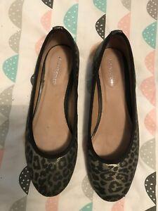 Size 8 1/2 Hush Puppies Ballet Flats Gold & Black Leopard Print