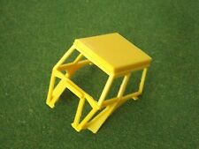 REPRODUCTION BRITAINS 1:32 DEUTZ DX92/110 YELLOW CAB