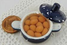 Kochtopf beige Eier,1:12,Puppenküche,Deko,Puppenstube,Fimo,Vitrine,Sammeloblekt,