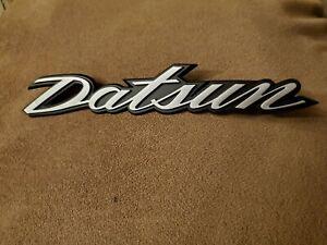 Datsun emblem fairlady Z S30 240Z 260 280 Hatch Deck Lid rear, New.