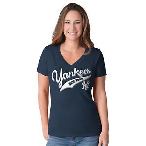 G-III 4her New York Yankees Women's Play Maker V-Neck T-Shirt - Navy