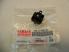 NOS YAMAHA 1HX-21780-00-00 SIDE PANEL LOCK ASSEMBLY G5