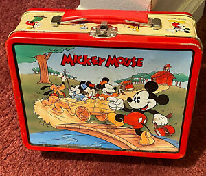 Marilyn Manson -Bassist Gidget Gein's Mickey Mouse lunchbox skeleton and hair.