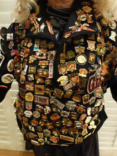 RARE LIFE TIME COLLECTION JACKET  SAN FRANCISCO GIANTS BUTTON PINS  PATCHES 287