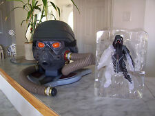 Playstation 3 KILLZONE 3 Helgast Edition Helmet Replica & Action Figure (NO GAME