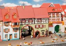 Faller 130499 - 1/87 / H0 Stadthaus Niederes Tor - Neu
