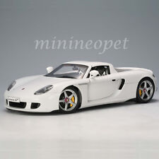 AUTOart 78045 PORSCHE CARRERA GT 1/18 DIECAST MODEL CAR WHITE