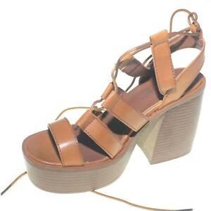 Sandalo donna alla schiava con fondo platform separato e plateau comodo trendy e