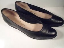 Salvatore Ferragamo boutique Black Pebbled leather Ballet Flats Size 7 aaa 3A