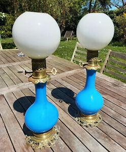 TTB Paire LAMPES à PETROLE avec modérateurs OPALINE bleue Napoleon III état SUP