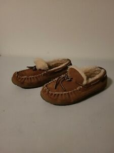 LL Bean Women's Wicked Good Moccasin Suede Shearling Slippers 8