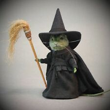 Looking for R John Wright Wizard of Oz mouse The Wicked Witch? We can help!