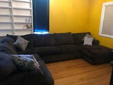 Large sectional couch with chaise