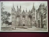 POSTCARD CAMBRIDGESHIRE PETERBOROUGH CATHEDRAL AND BISHOP'S PALACE GATEWAY
