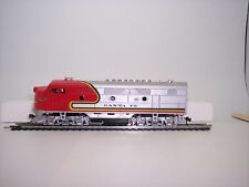 HO TRAIN  IHC    LOCOMOTIVE  F-3 A M6800 SANTA FE  (SALE-SALE-SALE-)