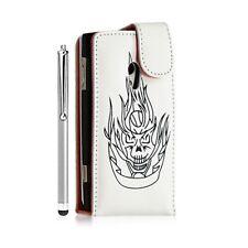 Housse étui coque pour Sony Ericsson Xperia X10 motif tete de mort couleur blanc