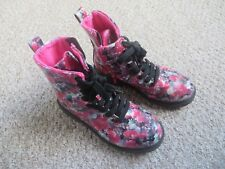 Girls pink flowery laced boots with side zips, H&M size EUR 34 UK1.5