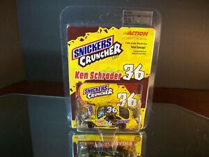Ken Schrader #36 Snickers Crunchier Bar 2001 Pontiac Grand Prix 1:64 8,784