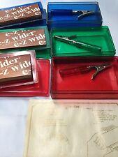 E-z wider Hi Flyer Tobacco Rolling Papers 2 Cigarette Roach Clips  Rare