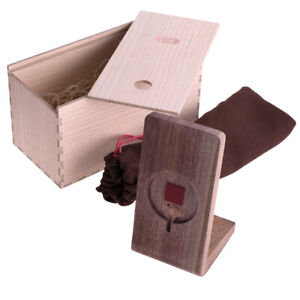 Halterung Ablage für iPhone 12 aus Nussbaumholz für das Apple MagSafe Ladegerät