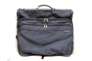 Briggs & Riley carry on Garment Bag Dark Blue suiter garment bag Bi fold 24x22