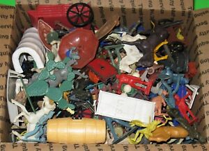 HUGE LOT OF MARX, IDEAL, MPC, ETC. PLASTIC FIGURES AND PLAYSET ITEMS..DAMAGED