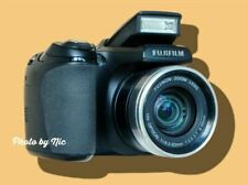 FUJIFILM FUJI FINEPIX S700-COMFORTABLE TO HOLD-LG SCREEN-VIEWFINDER-LIGHT WEIGHT