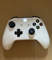 Microsoft Xbox One Wireless Controller White Model 1708 - FAST FREE SHIPPING!