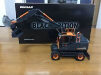 Rare! Bobcat Doosan DX160W Wheeled Excavator 1/50 Scale Black Editon UH8138