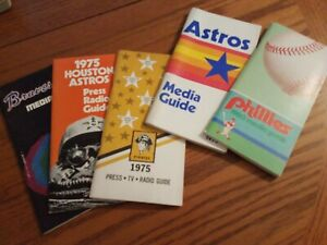 NATIONAL LEAGUE LOT OF 5 MEDIA GUIDES